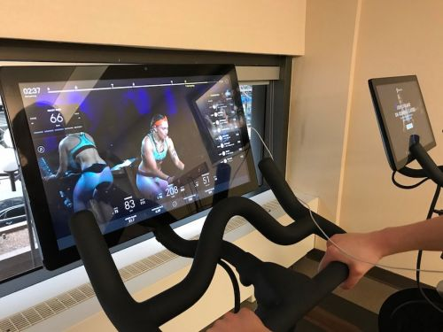 Peloton is reportedly exploring plans to go public. Here's how this high-tech fitness company compares to SoulCycle