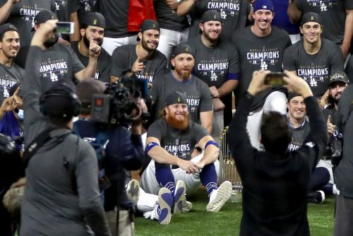 Dodgers 'insisted' Justin Turner join celebration despite positive COVID-19 test