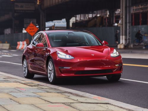 Consumer Reports no longer recommends Tesla's Model 3