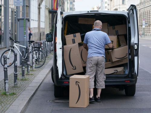 A Wall Street analyst breaks down why e-commerce stocks are 'just getting started' and will continue to see massive growth even after vaccine distribution - and says these 4 are best-positioned for gains during the holiday shopping season