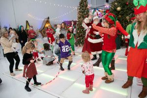 Minnesota Vikings Kyle Rudolph To Send Families To North Pole For 'Rudy's Red Eye'