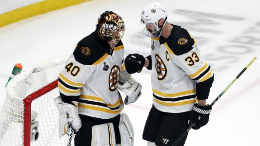 Smelly situation: Bruins' Zdeno Chara cautions about Tuukka Rask's farts