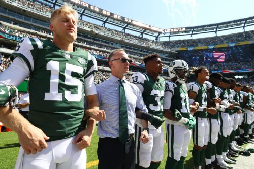 Jets boss won't discourage players from protesting anthem