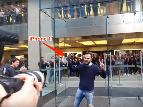 The internet was baffled by video of a standing ovation for Sydney's first iPhone 11 owner