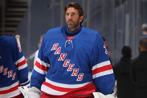 Henrik Lundqvist shuts door on NHL return this season