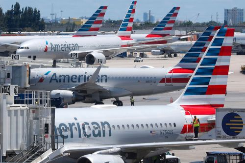 Mechanic who tampered with jetliner has ties to ISIS: feds