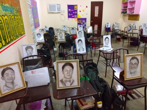 An English teacher gifted each of her students with hand-drawn portraits and people are stunned by how good they are