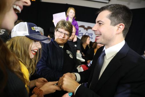 Buttigieg tries to recapture Iowa magic