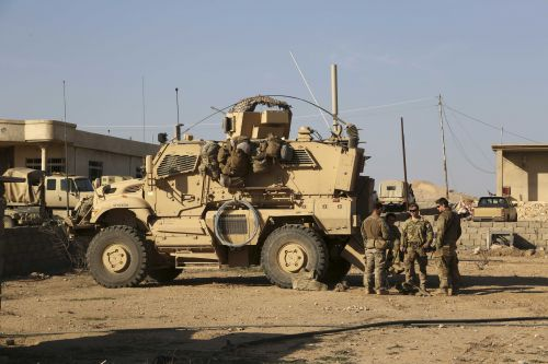 Rockets hit Iraq base with US troops; no word on casualties