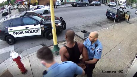 Leaked bodycam footage shows entirety of George Floyd arrest - supporting cops' AND protesters' narratives