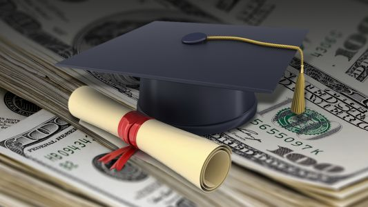 Judge allows lawsuit against student loan servicer Navient