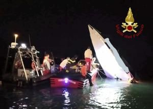 3 dead as speedboat trying to set record crashes off Venice