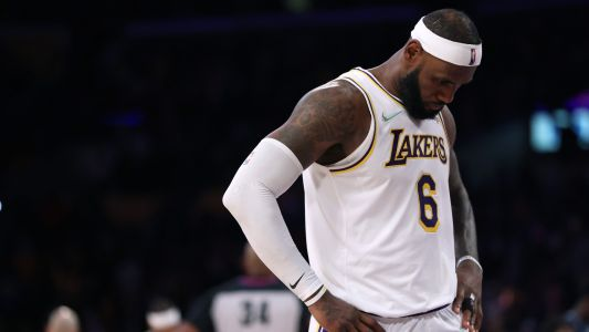 LeBron James injury update: Lakers superstar out with right ankle soreness vs. Spurs