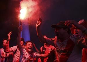 Argentine fans celebrate River Plate's title at home