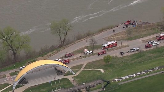 Authorities: Body found in Ohio River is missing teen