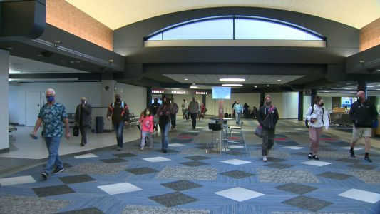 Pittsburgh International Airport in COVID-safe status as thousands opt for holiday air travel