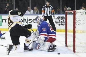 Surging Bruins earn 3-1 win over Rangers