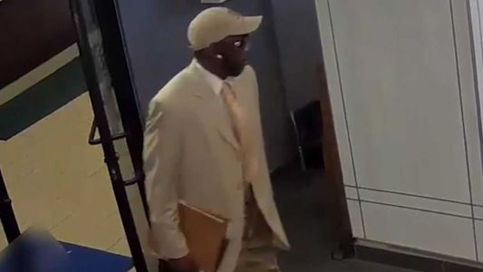 Do you recognize this man? Pittsburgh police release video of Downtown bank robbery suspect