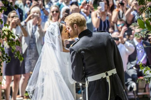 Royal wedding sparks record surge in digital traffic