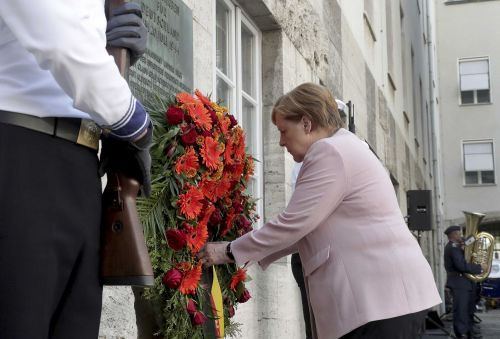 'They put humanity over their own human lives': Germany marks 75th anniversary of plot to kill Hitler