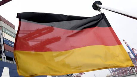 Germany's population reaches record high of 83mn people 'due to migration from E. Europe'