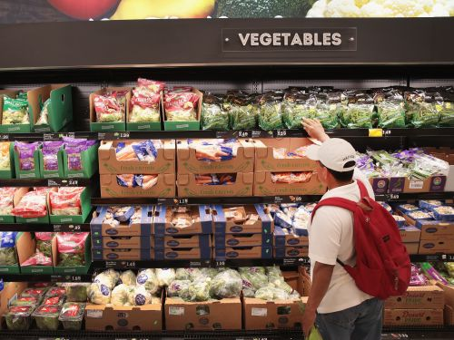 The best time to shop for groceries during the coronavirus pandemic is early morning, studies show
