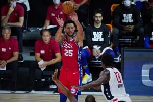 76ers guard Simmons leaves game with left knee injury