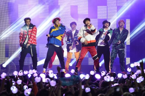 K-Pop group BTS packs Central Park for 'GMA' summer series launch