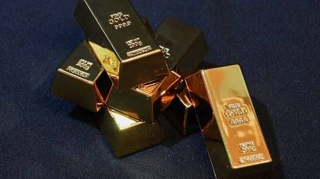 Gold surges more than 2% hitting 7-year highs