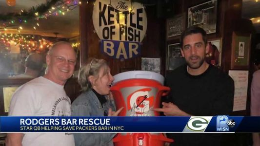 Aaron Rodgers helps rescue Packers bar in NYC