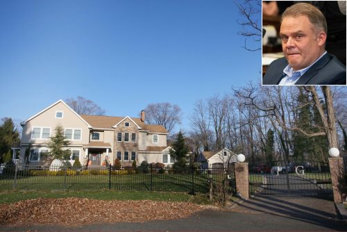 Construction chief ripped off Bloomberg to build dream house: prosecutors