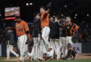 Giants homer 3 times in 5-3 victory over Brewers