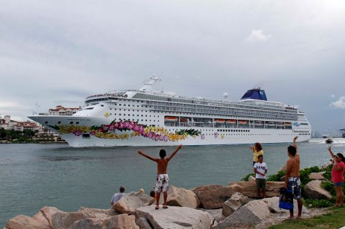 How a couple aboard a cruise ship got stranded in Cuba