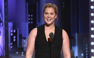 Amy Schumer, in nod of support for Colin Kaepernick, says she won't appear in Super Bowl ads