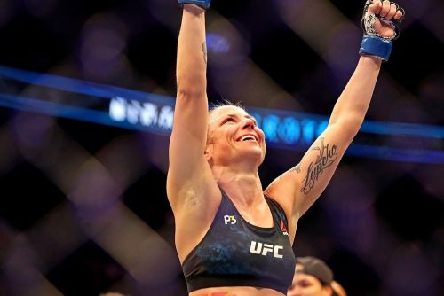 Nina Ansaroff more than happy to show Claudia Gadelha about 'levels to this game'