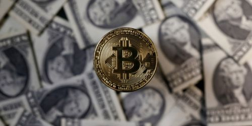 Bitcoin hits new 2018 low, dropping 25% in a week
