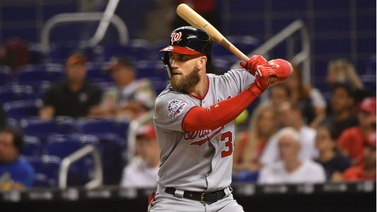 MLB hot stove: Bryce Harper believed to have turned down multiple $300M deals, report says