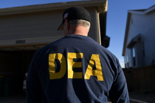Feds bust DEA investigator who was allegedly hunting for minors online