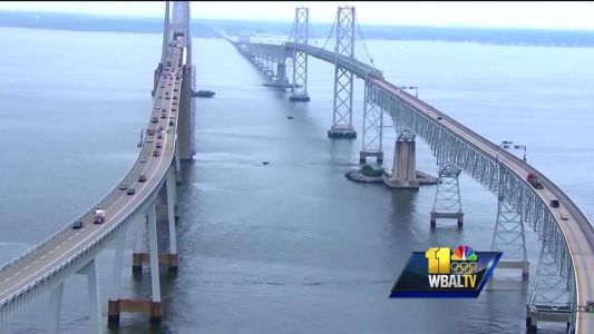 Four rescued after boat capsizes near Bay Bridge