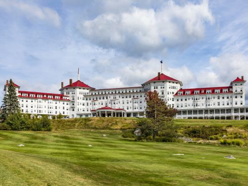 This 116-year-old luxury resort may look like a European castle, but it's actually tucked away in the mountains of New Hampshire