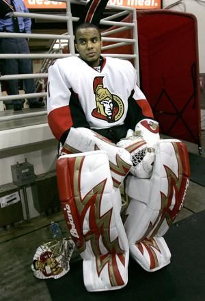 Police: Drowning of NHL goalie Ray Emery not suspicious