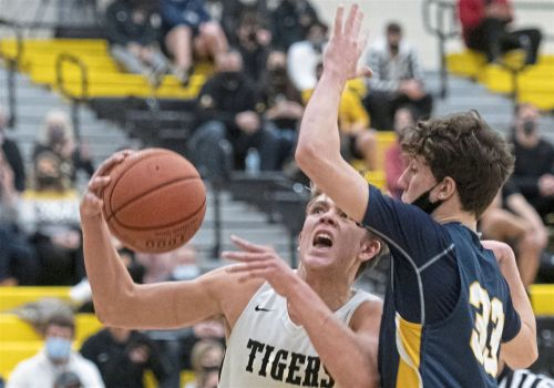 Tigers defeat Central Catholic, 45-41, in North Allegheny's 1st postseason win since 2015