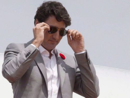 Justin Trudeau fined $100 for not disclosing gift of sunglasses from P.E.I. premier