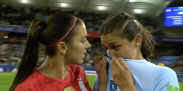 Alex Morgan comforted a crying Thai player after Team USA's 13-0 smackdown of Thailand in its first match of the World Cup