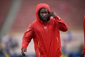 Browns sign troubled former Chiefs running back Kareem Hunt