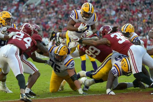 LSU leaps to No. 1, Alabama falls in latest CFP rankings