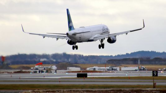 JetBlue partners with at-home COVID-19 testing company