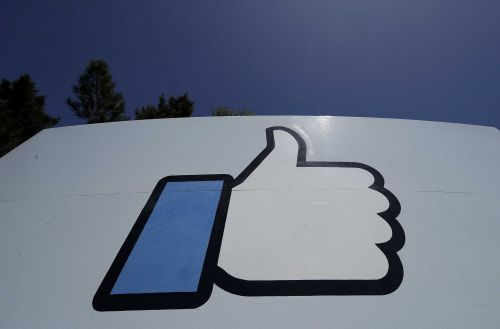 Facebook says it will invest $1 billion over 3 years to news industry