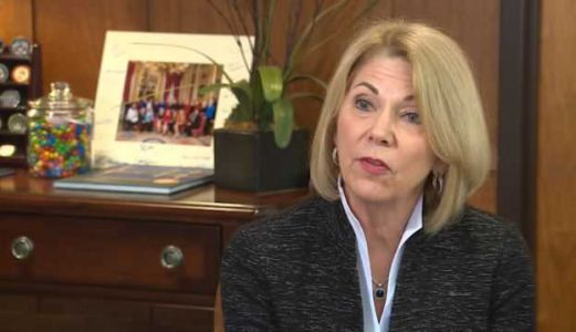 Petitions sought to force recall of Omaha Mayor Jean Stothert