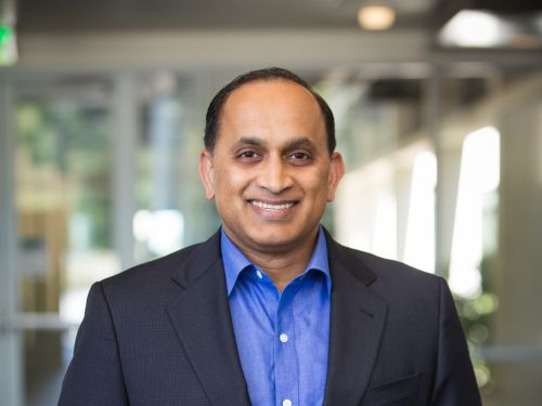 Analysts agree VMware COO Sanjay Poonen is the 'obvious choice' to replace departing CEO Pat Gelsinger